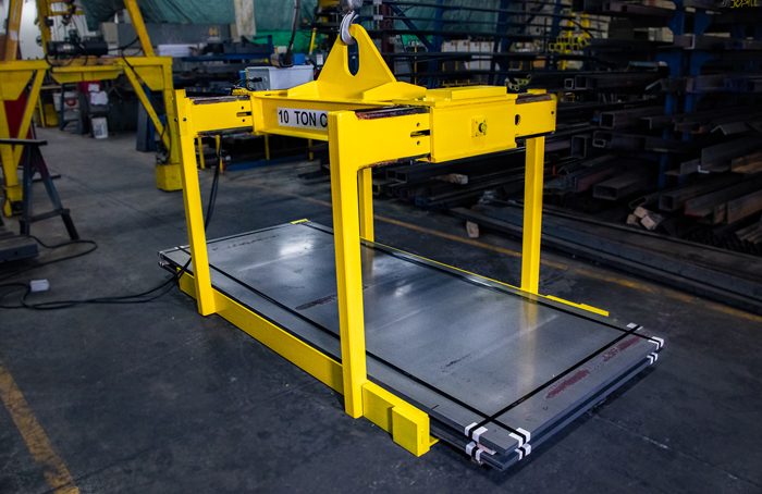 10T sheet lifter loaded on the ground - yellow